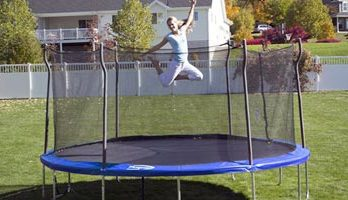 8 Best Outdoor (Backyard) Trampoline Reviews and Buying Guide